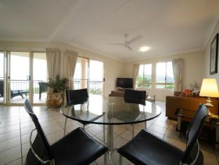 Martinique Whitsunday Resort Whitsundays - 1 Bedroom Deluxe Apartment - Living Room