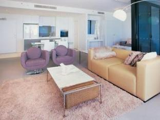 Ultra Broadbeach Apartments - Room type photo