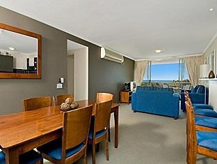 Seachange Coolum Beach Hotel - More photos