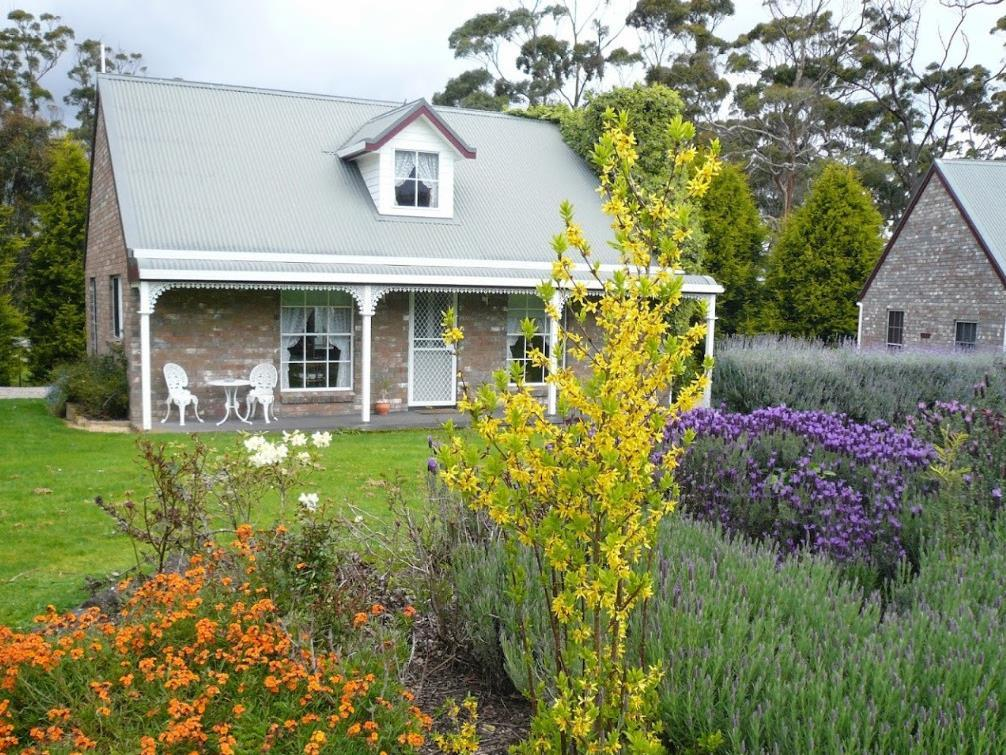 Rosebank Cottage Collection - Hotell och Boende i Australien , Smithton