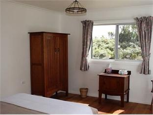 Harpers On The Beach Hotel - Room type photo