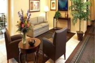 Candlewood Suites Turlock Hotel