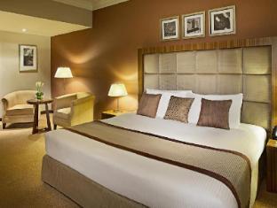 City Seasons Al Hamra Hotel Abu Dhabi - Executive Suite