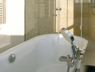 Twentyseven Hotel Rotterdam - Bathroom