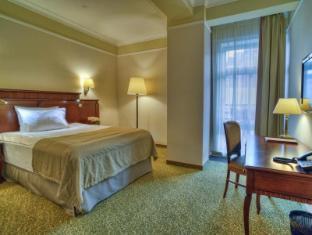 Garden Ring Hotel Moscow - Standard Queen Bed