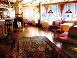 Hotel Splendid Мадонна-ди-Кампильо - Паб.