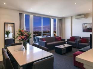 Meriton Serviced Apartments Parramatta Sydney - 3 Bedroom Apartment