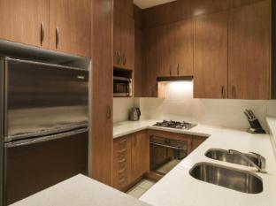 Meriton Serviced Apartments Parramatta Sydney - Kitchen