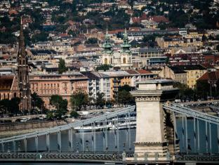 Budapest Marriott Hotel Budapest - Chain Bridge View