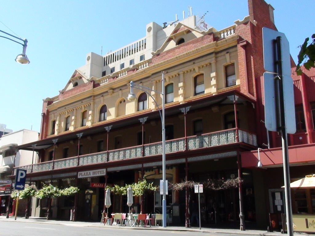 Plaza Hotel - Hotell och Boende i Australien , Adelaide