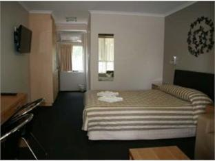 Queensgate Motel - Room type photo