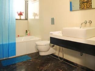 Hotel Krishna New Delhi and NCR - Bathroom