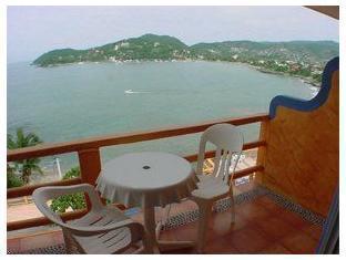 Irma Hotel Zihuatanejo - Balcony/Terrace