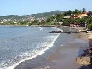 Irma Hotel Zihuatanejo - Beach