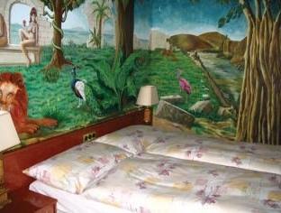 Hotel Drachen Basel - Guest Room