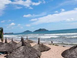 Ocean Breeze Hotel Mazatlan Mazatlan - Beach