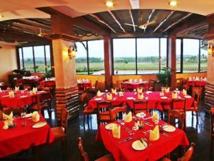 Nazri Resort North Goa - Restaurant