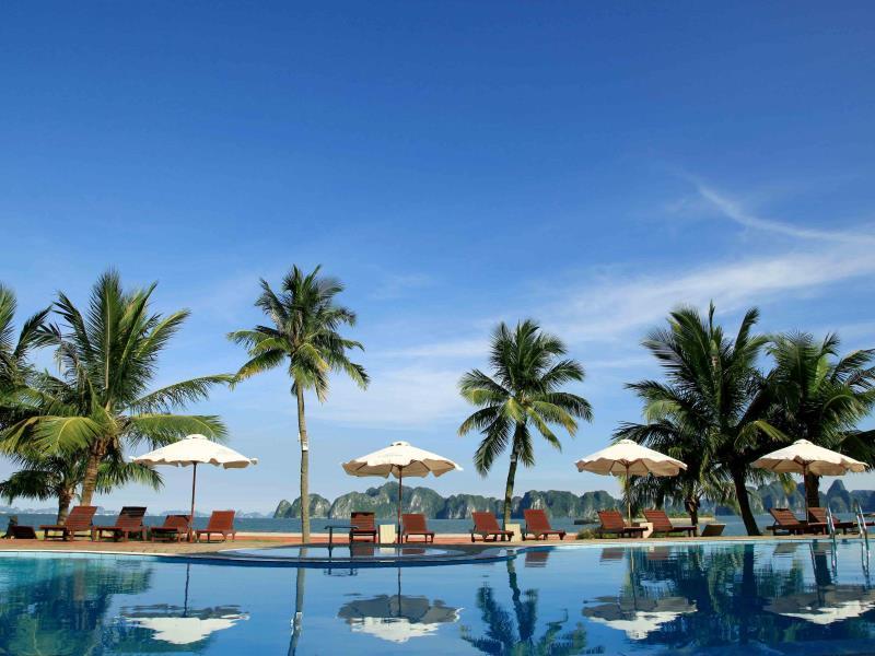 Tuan Chau Island Holiday Villa - Hotell och Boende i Vietnam , Halong