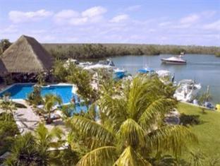 Hotel Sotavento & Yacht Club Cancun - Surroundings