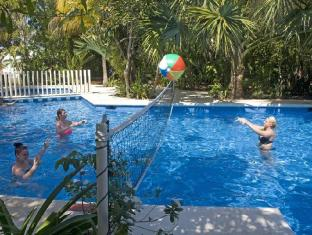Hotel Sotavento & Yacht Club Cancun - Swimming Pool