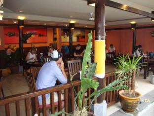 Sri Bungalows Ubud Bali - Food, drink and entertainment