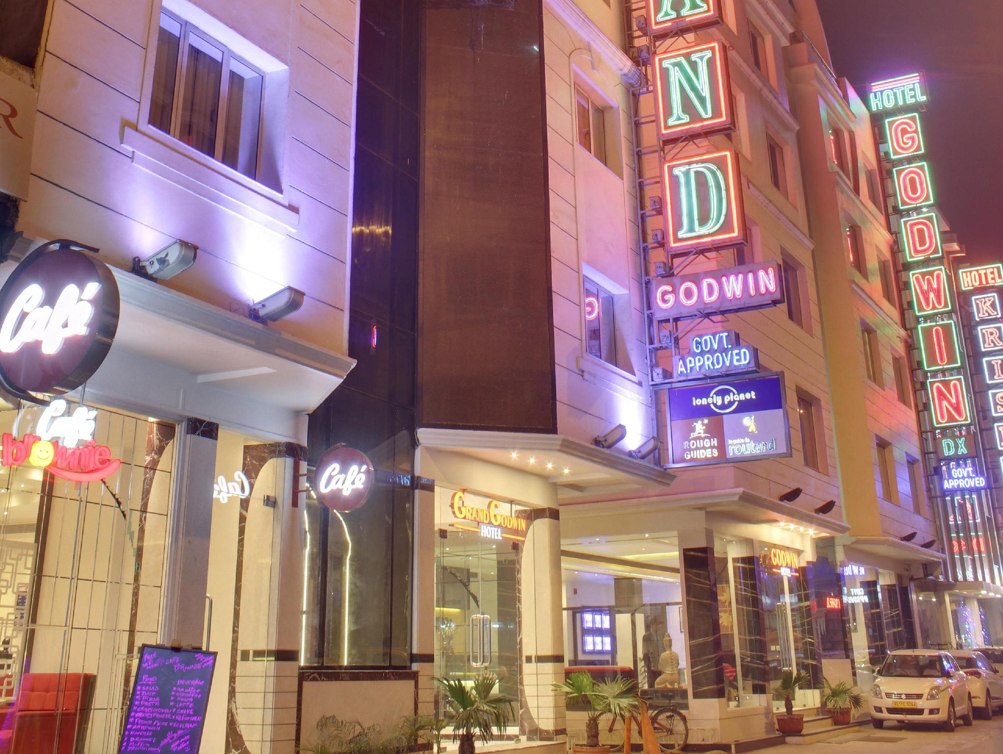 Hotel Grand Godwin New Delhi and NCR - Hotel Exterior