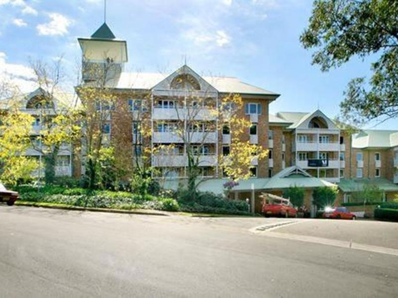 Pennant Hills Waldorf Apartment Hotel - Hotell och Boende i Australien , Sydney