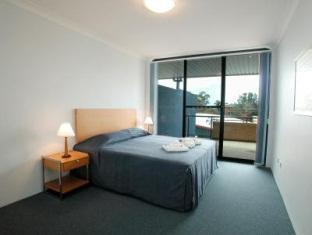 Blacktown Waldorf Apartment Hotel - More photos