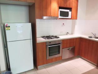 Waitara Waldorf Apartment Hotel Sydney - Kitchen