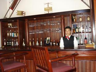 Apsara Holiday Hotel Siem Reap - Food, drink and entertainment