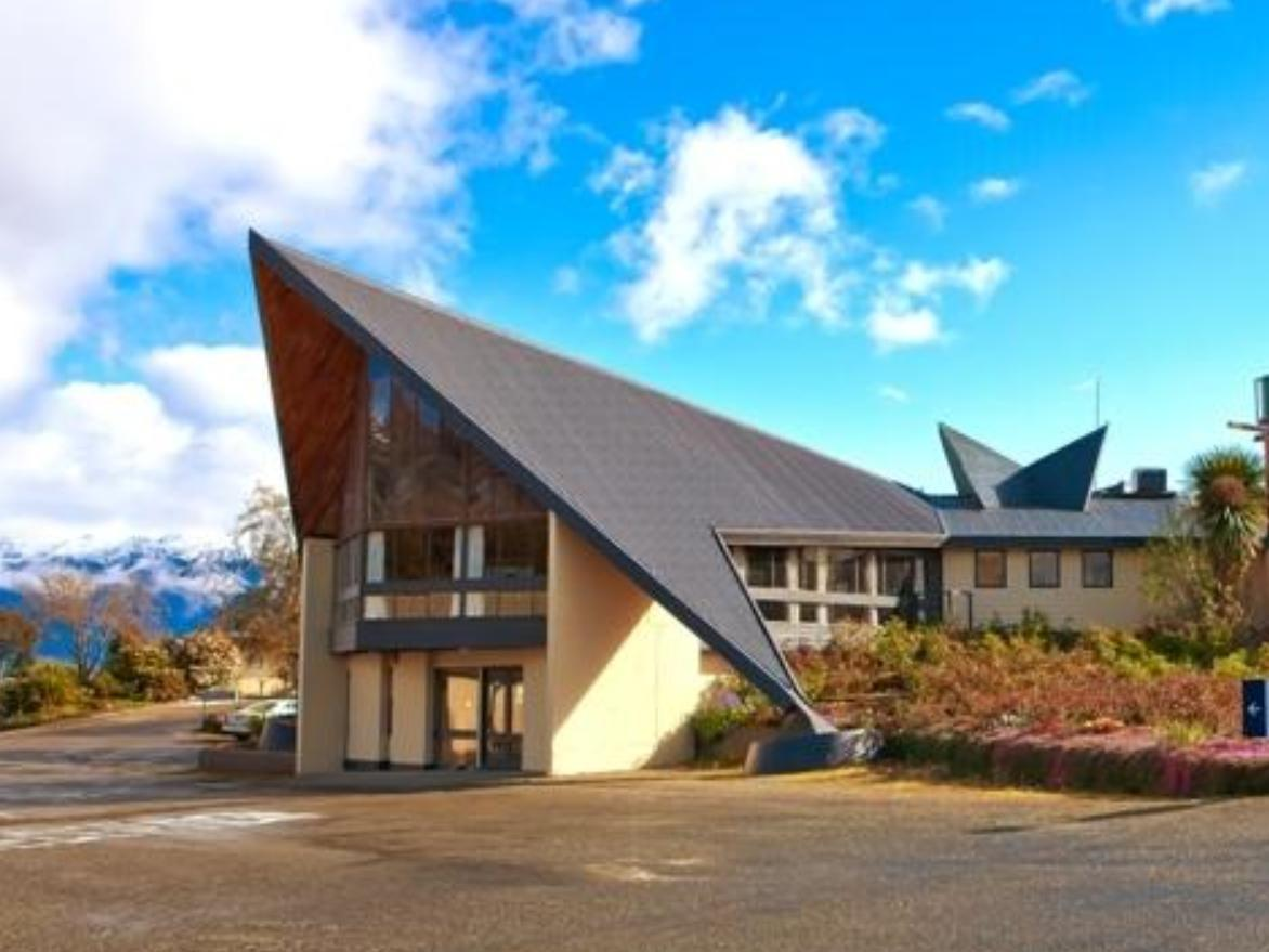 Fiordland Hotel & Motel - Hotels and Accommodation in New Zealand, Pacific Ocean And Australia