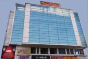 Hotel Mandakini Plaza - Hotell och Boende i Indien i Kanpur