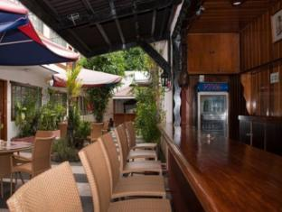 St. Moritz Hotel Cebu - Pub/Lounge