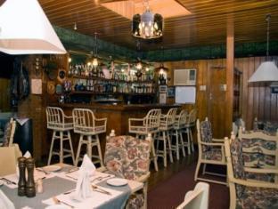 St. Moritz Hotel Sebu - Restoranas