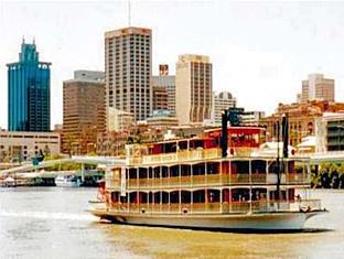 Paramount Motel Brisbane Brisbane - Paddle Cruises
