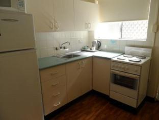 Paramount Motel Brisbane Brisbane - Kitchen