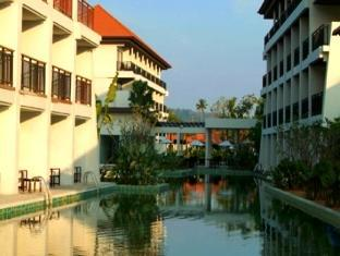 Piraya Resort & Spa Phuket - Hotel z zewnątrz