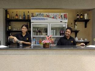 Surin Gate Phuket - Pub/salon