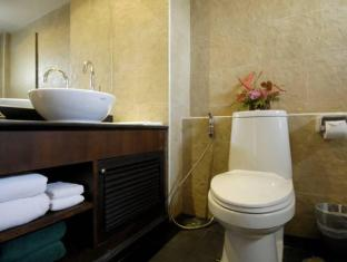 สุรินทร์ เกท ภูเก็ต - ห้องน้ำ