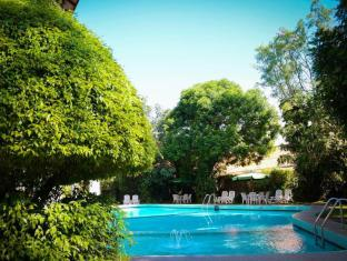 Hotel Hilltop Kandy - Swimming Pool