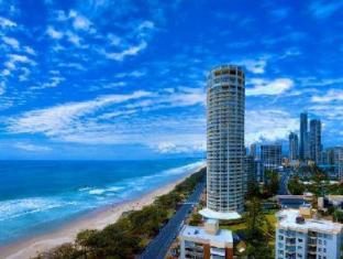 hotel dekat Surfers Paradise beach