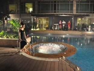 Country Inn & Suites By Carlson Sahibabad New Delhi and NCR - Hot Tub