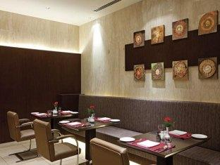 Country Inn & Suites By Carlson Sahibabad New Delhi and NCR - Food, drink and entertainment