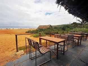 360° Beach Retreat North Goa - Sit Out
