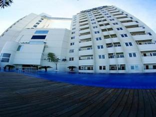 Twin Hotel Surabaya - Exterior