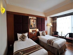 Flower Garden Hotel - Room type photo