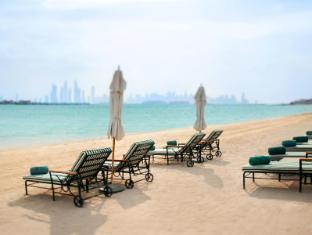 Kempinski Hotel & Residences Palm Jumeirah Dubaija - Pludmale