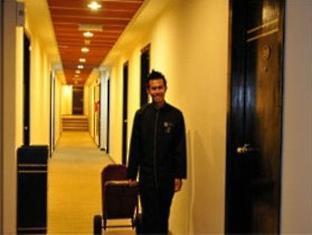 The Embassy Hotel and Service Apartment Johor Bahru - Hotel Corridor