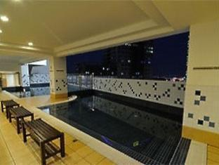 The Embassy Hotel and Service Apartment Johor Bahru - Swimming Pool