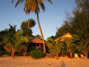 雷纳礁湖别墅酒店